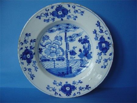 an 18th century earthenware Delft plate