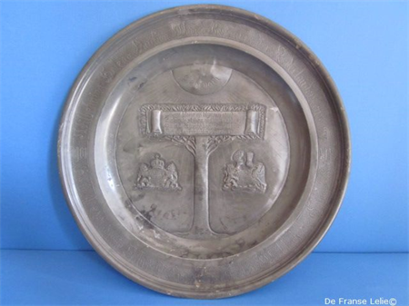 a beautiful pewter commemorative Wilhelmina plate