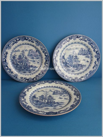 a set of three 18th antique Chinese blue and white porcelain plates