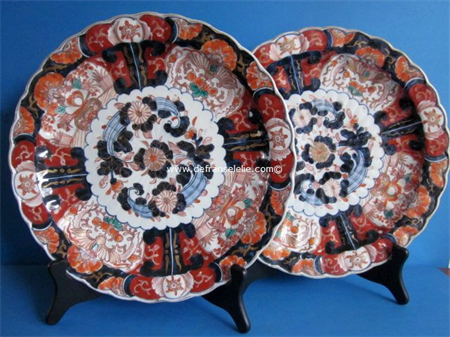 pair of antique Japanese imari porcelain chargers