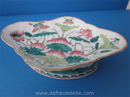 an antique Chinese famille verte porcelain dish