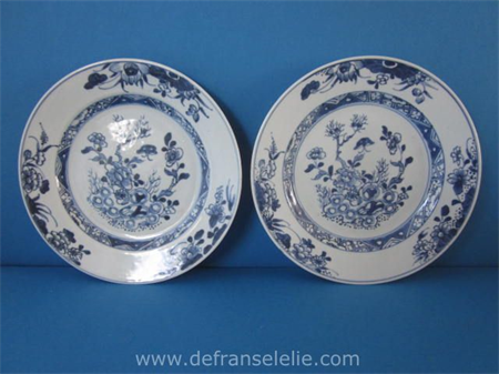 a pair of 18th century Chinese blue and white porcelain plates