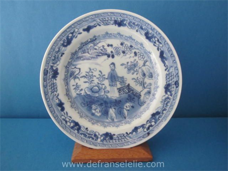 an antique Chinese blue and white porcelain Long Eliza dish