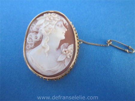 an antique 14ct gold cameo brooch