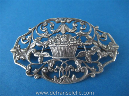 a vintage Dutch silver brooch Bijkamp Steenwijk