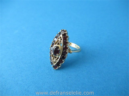 a vintage 14ct gold garnet ladies ring
