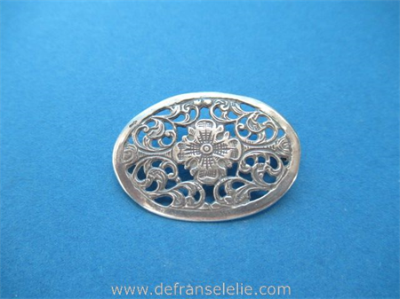 a vintage Dutch oval silver brooch