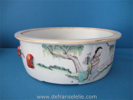 an antique Chinese polychrome porcelain bowl