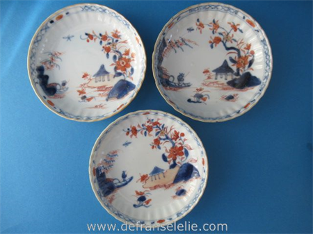 a set of three 18th century Chinese imari porcelain dishes