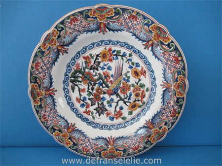 hand painted earthenware Makkum charger