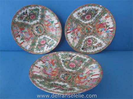 set of three Chinese famille rose Canton porcelain dishes