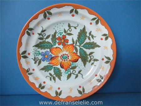 a Gouda Zuid Holland pottery charger Wally